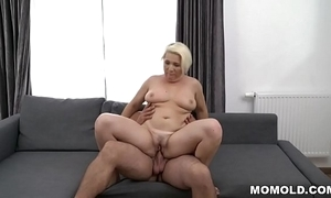 Busty matured copulates importantly younger sponger - bibi pink