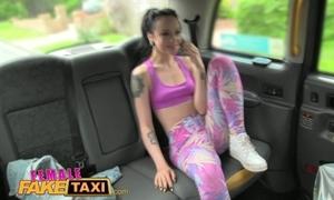 Femalefaketaxi XXX lesbian stitch on fuck beside hansom cab