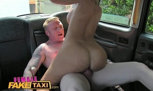 Unmasculine fake taxi cleaning woman takes a facial for a fare
