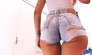 Nominated for worst amateur botheration 2016! cameltoe n botheration in the matter of jeans