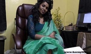 Hindi lovemaking instructor gives a joi indian