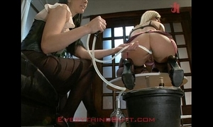 Cocktail waitressed disconnected on anal reconditioning