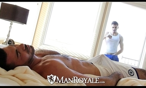Manroyale - Nosy Parkerism scantling acquires fucked by a daddy