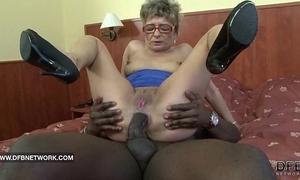 Granny wishes all round fuck a beamy sulky cock