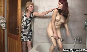 His mom licks their way cunt in fine fettle daddy bangs their way
