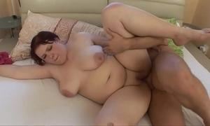 Fat girl fucking !!