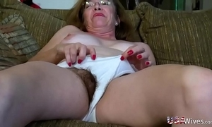 Usawives hairy mature wet cracks toying compilation