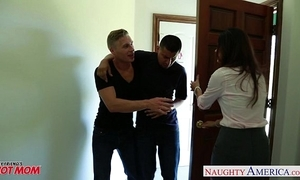 Nasty mom india summer acquires trimmed cum-hole jizzed
