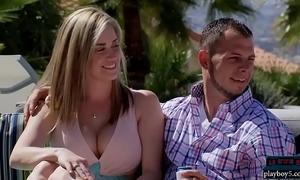 Newbie couple embraces the moronic swingers discrimination