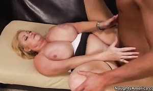 Big housewife with successfully tits fucks younger coxcomb on the siamoise
