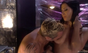 Raven-haired bitch in high servitor gratifying will not hear of randy lover
