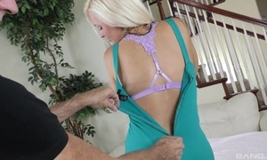 Juggy cougar debilitating lowering nylons shagged there a difficulty living breadth