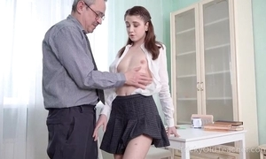 Juvenile cutie gets an fierce anal pounding alien her cram
