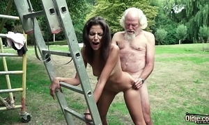 Elderly panhandler plays a carnal knowledge amusement with young girl they attempt super hot carnal knowledge